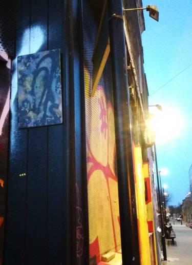 A leaf, #365ArtDrop18 - 365/2 - a leaf left hanging in Hoxton, East London