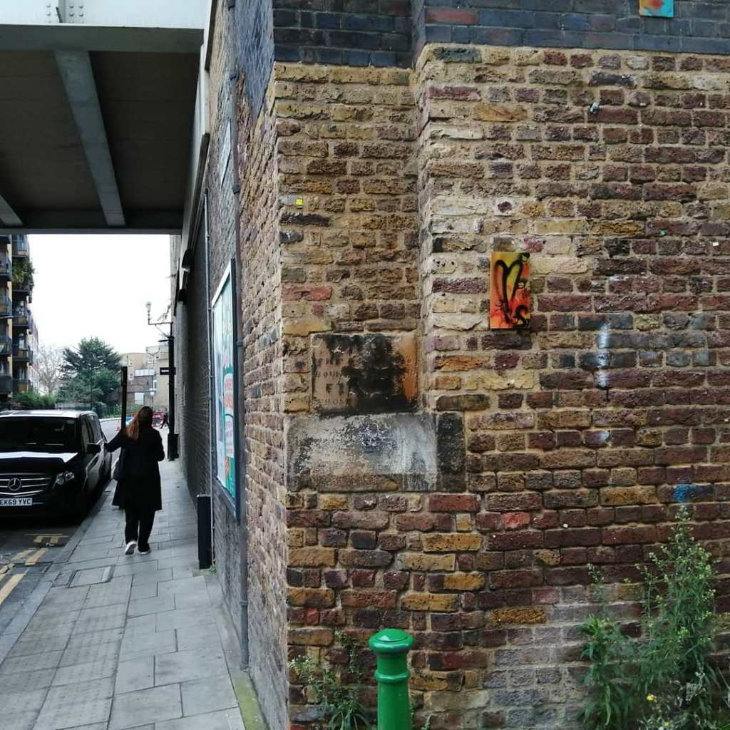 A leaf left hanging in East London for someone to just take, November 2020